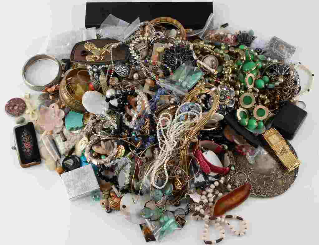 14.5 POUND LOT OF UNSEARCHED COSTUME JEWELRY