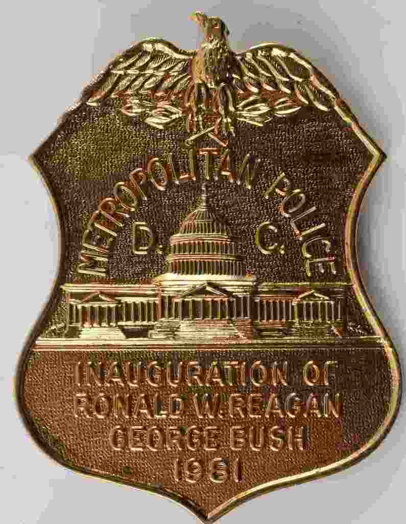 RONALD REAGAN & BUSH INAUGURATION POLICE BADGE DC
