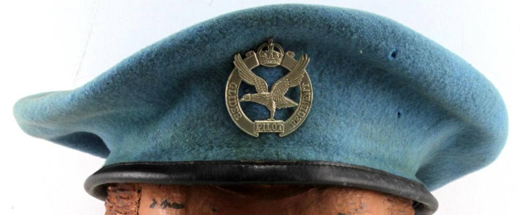 WWII BRITISH GLIDER PILOT BERET WITH FLYING BADGE