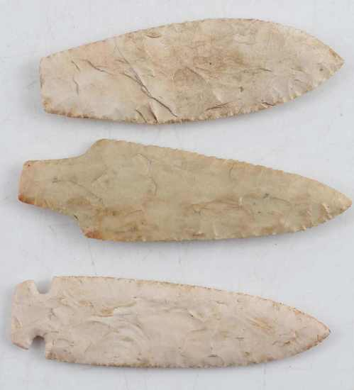 LOT  EARLY TO LATE ARCHAIC STYLE POINTS ARROWHEADS