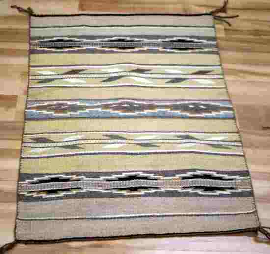 SMALL NAVAJO CRYSTAL SADDLE BLANKET WEAVE RUG