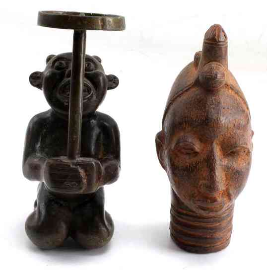 LOT TWO SMALL PIECES OF AFRICAN ART BRONZE & CLAY