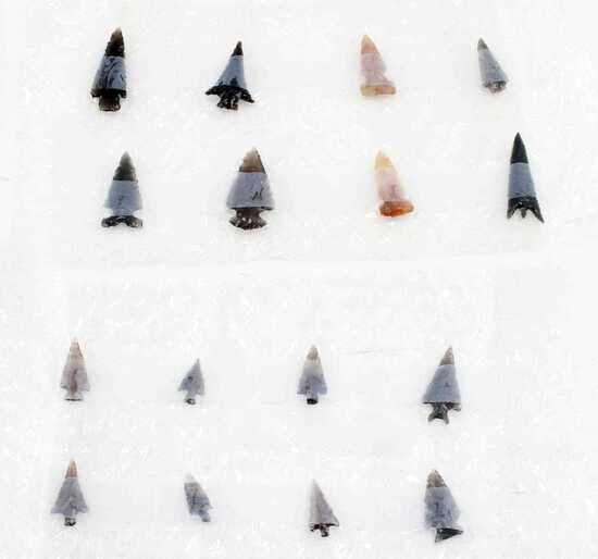 LOT OF 16 ARROWHEAD POINTS FROM OREGON