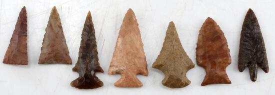 LOT OF 7 MIXED ARROWHEAD POINTS WELL FORMED