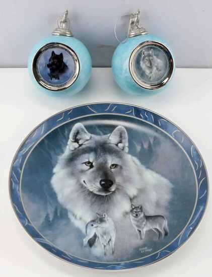 BRADFORD EXCHANGE CHRISTMAS WOLF ORNAMENTS & PLATE