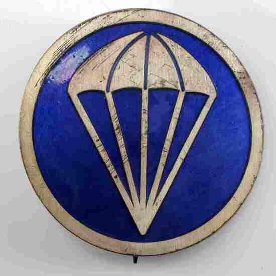 US WWII AIRBORNE PARATROOPER EM OVERSEAS CAP BADGE