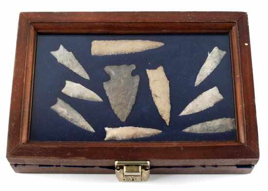 NATIVE AMERICAN BOXED SET OF NOTCHED ARROWHEADS