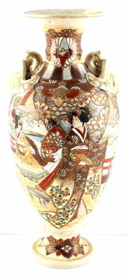 EARLY MEIJI PERIOD LATE 19TH SATSUMA CERAMIC VASE