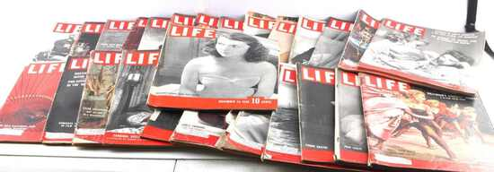 LOT OF 26 WARTIME WWII COLD WAR ERA LIFE MAGAZINES