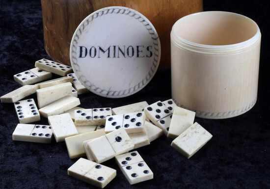 19TH C DOMINOES IN EROTICA SCRIMSHAWED GAME BOX