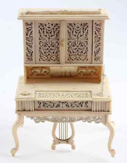 ANTIQUE BONE DOLL HOUSE PUMP ORGAN PIANO