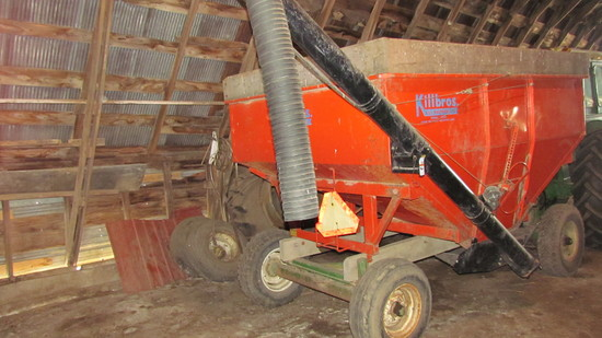 Kilbrow 350 Gravity Box with Swing Auger