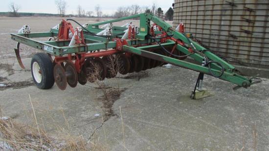 Glenco Soil Saver 9 Shank Chisel Plow
