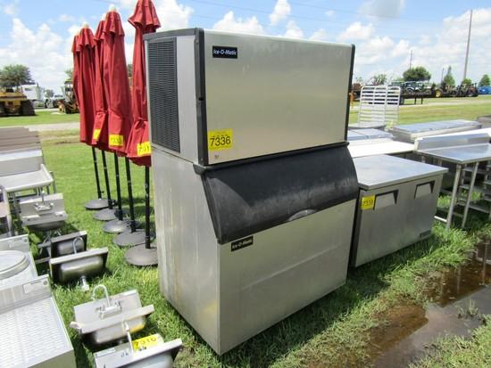 ICE O MATIC ICE MACHINE W/BIN
