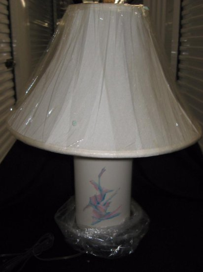 Porcelain lamp with shade item 218