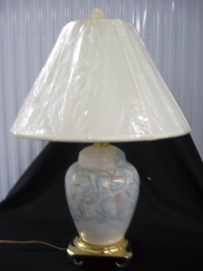 Porcelain lamp with shade item 263