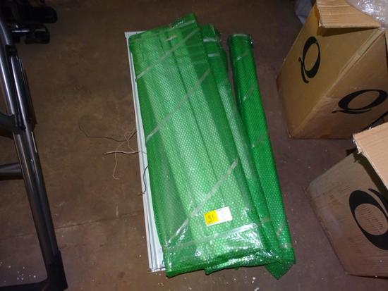 Several fluorescent lights with 2 balusters
