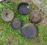 Cast iron frying pans-spitoon, kettle