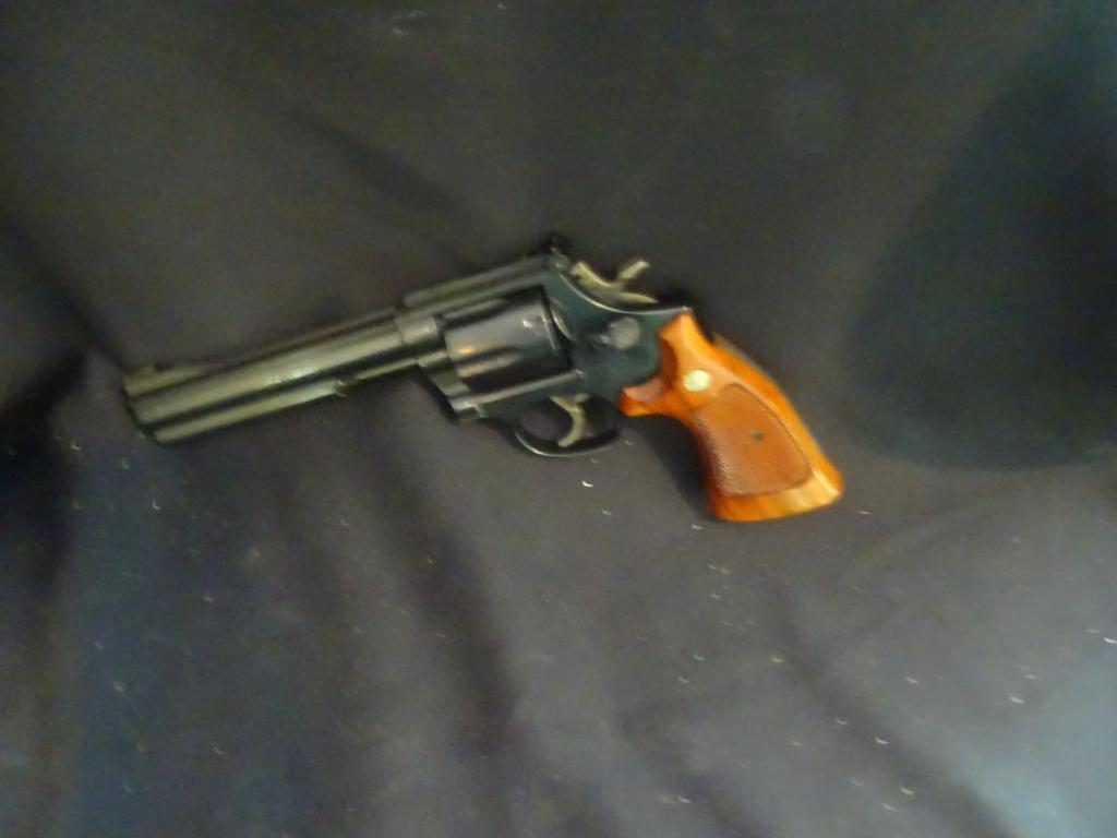 Estate Auction ( deceased ) - Long & Hand Guns 1