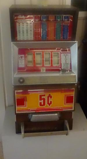Bally E 2000 Series Slot Machine w/manual and key. Model E2241. 1983. It works!
