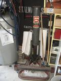 Gray Air Lift-PortaMatic, CAP 5000 Lbs @200 Lbs. air pressure, Gray Mfg Co, St. Joseph, MO.
