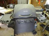 Char Broil -The Big Easy grill-w/propane tank-rotary ignitor