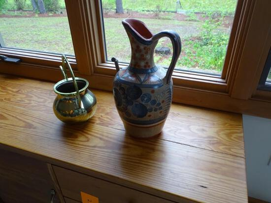 2 vases/jugs: 1 pottery, 1 brass