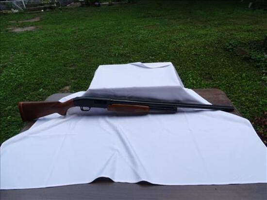 12 gauge Mossburg Pump Shotgun with extra barrel