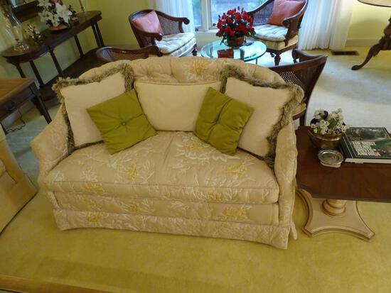 "Loveseat w/ quilted fabric plus pillows. 52""L x 27""D x 28"" H. Very good condition."