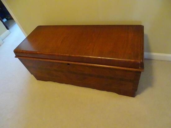 Vintage Wooden Lane Cedar Chest-Burl wood