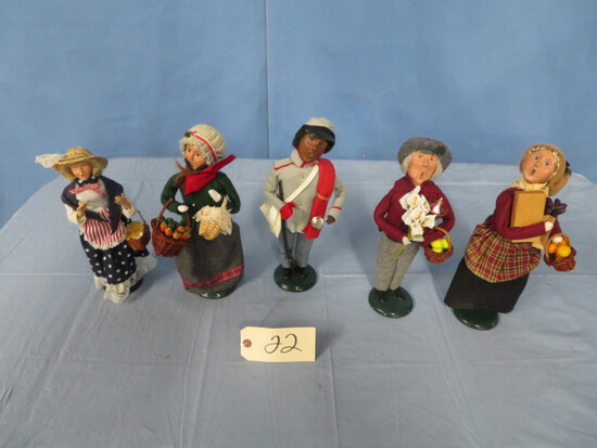 5- BYERS CHOICE CHRISTMAS CAROLERS