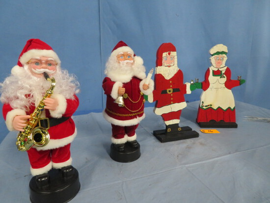 SANTA  DECORATIONS