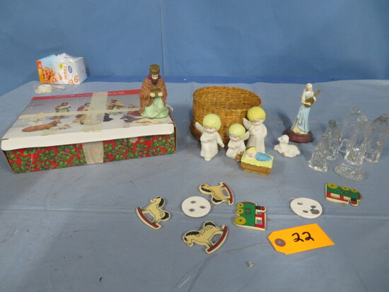 MISC. CHRISTMAS ITEMS- NATIVITY SET