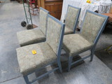 4 CHAIRS UPHOLSTERED IN RETRO FABRIC