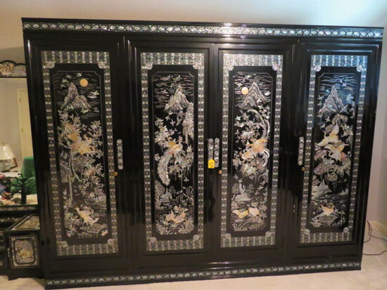 BEAUTIFUL CHINOISERIE MOTHER OF PEARL FURNITURE