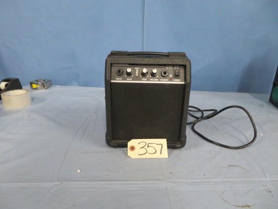 GM 05 GUITAR AMPLIFIER