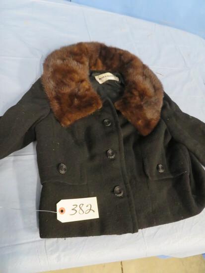 VINTAGE CLOTHING- MONTALDOS JACKET W/ FUR COLLAR