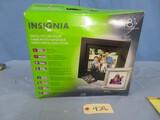 INSIGNIA DIGITAL PICTURE FRAME NEW IN BOX  8