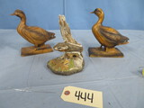 PAIR OF DUCK BOOKENDS & SQUIRREL FIGURINE