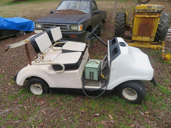 PARGO GOLF CART W/ CHARGER - SOME TIRES ARE FLAT  FROM NON USAGE