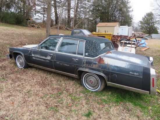 FLEETWOOD BROUGHAM 1986 CADILLAC - RGT. FRONT WINDOW OUT