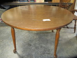ROUND DINING TABLE W/ 2 LEAVES  4 FT. D