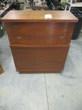 CHEST OF DRAWERS  39 X 18 X 44