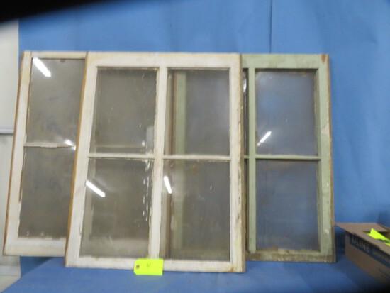 3 WINDOW W/ 4 PANES  25 X 32
