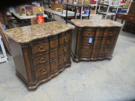PAIR OF THOMASVILLE NIGHT STANDS  38 X 26 X 33 T