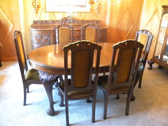 Victorian Dinning Room Table