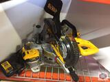 DeWalt Sliding compound miter saw Cordless 7 1/4 ? With battery and charger
