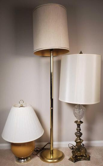 Lamp Lot with (3) Lamps (LPO)