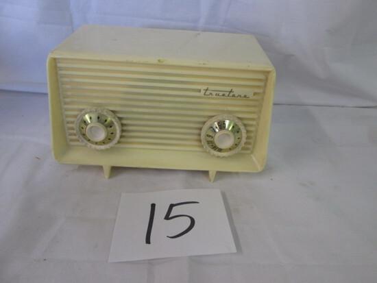 Silvertone Model D-2783 Radio