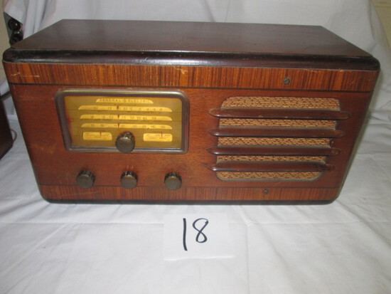 GE General Electric Model F-70 Shortwave Radio